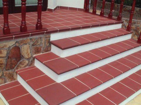Лестницы для веранды, облицованные клинкерной плиткой