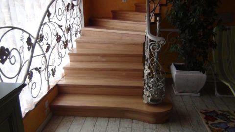 Лестницы из бетона: отделка деревом