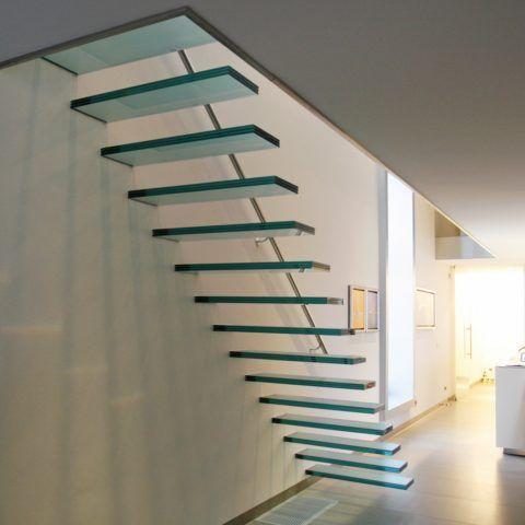 Лестницы на второй этаж чердачные на больцах