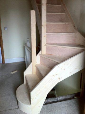 Маршевая чердачная лестница с забежными ступенями