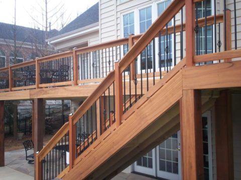 Монтаж лестницы для дома метал-дерево