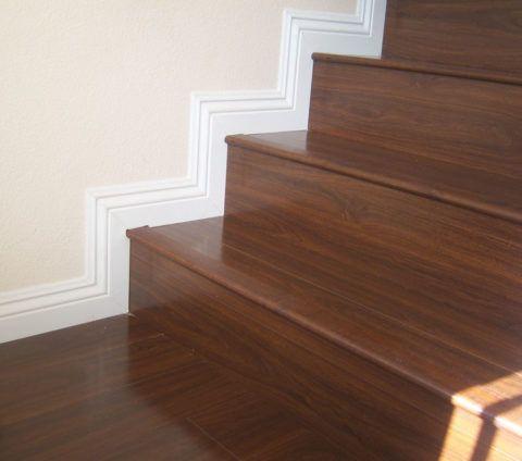 Обшивка деревянной лестницы ламинатом