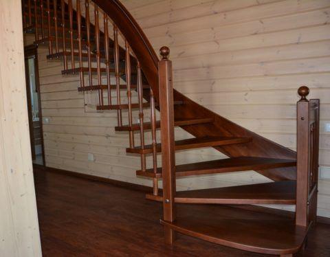 Ограждения лестницы на больцах