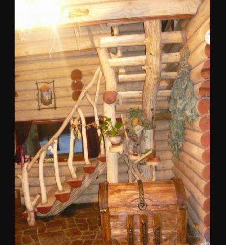 Оригинальная конструкция лестницы в деревянном доме