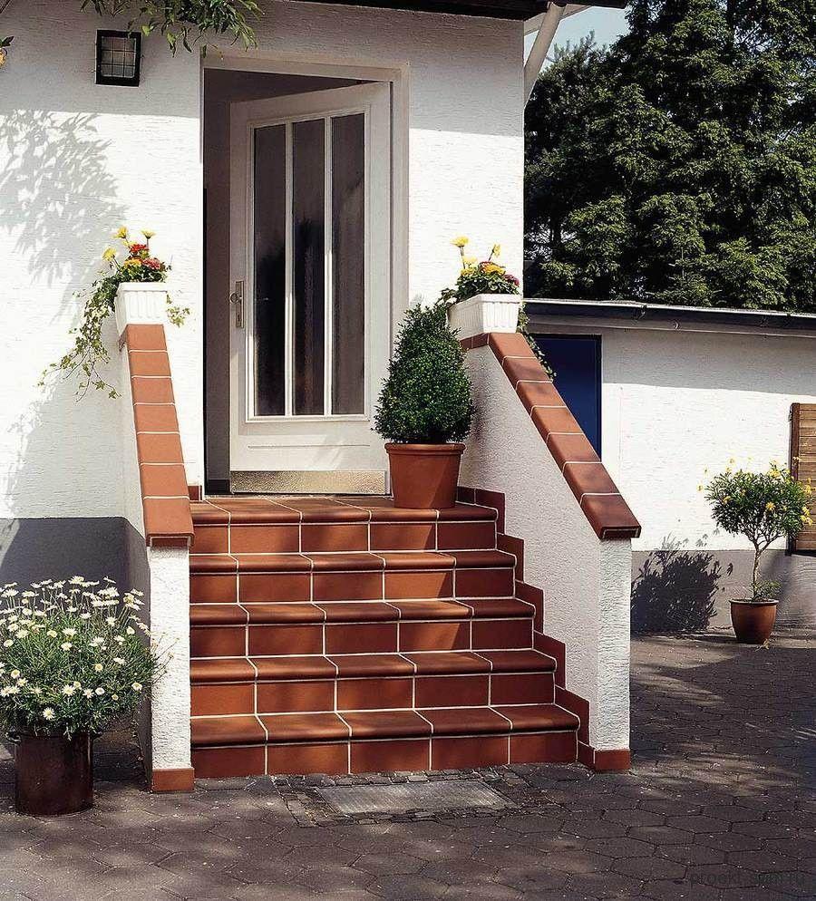 Фото проекты угловых домов с мансардой