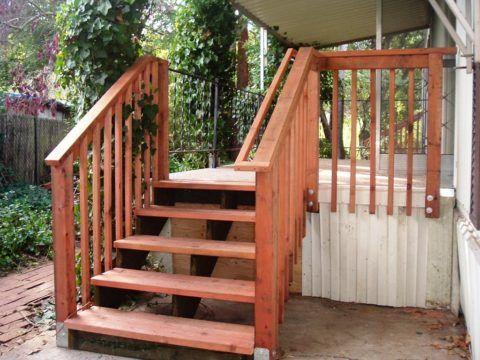Открытая лестница на веранду