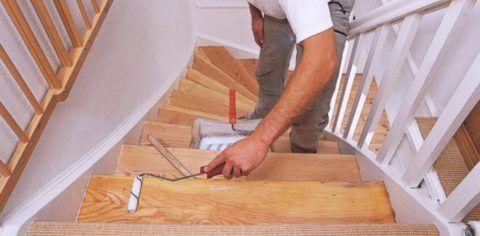 Покраска деревянной лестницы требует грамотного подбора ЛКИ