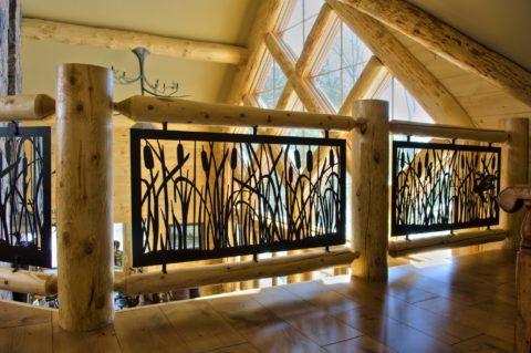 Декоративные решетки и лестницы оригинально смотрятся при комбинировании материалов