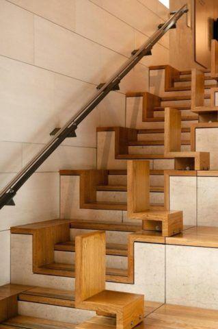 Конструкция со ступенями оригинальной формы