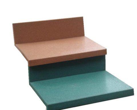 Обрезки можно использовать для облицовки вертикальной части ступеней