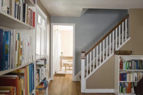 Обшитый каркас лестницы