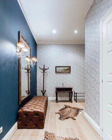 Оригинальная скамья не только украсит помещение, но и повысит комфорт прихожей