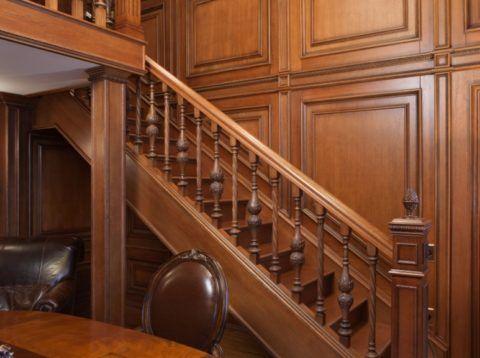 Роскошная лестница из дуба