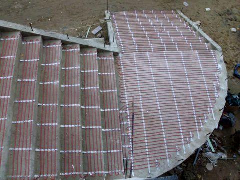 Система антиобледенения монтируется на этапе строительства лестницы