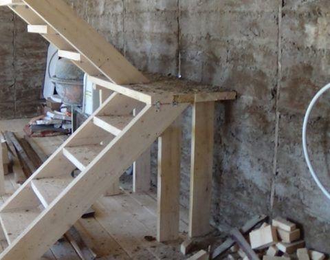 Так можно делать и лестницы на второй этаж гаража