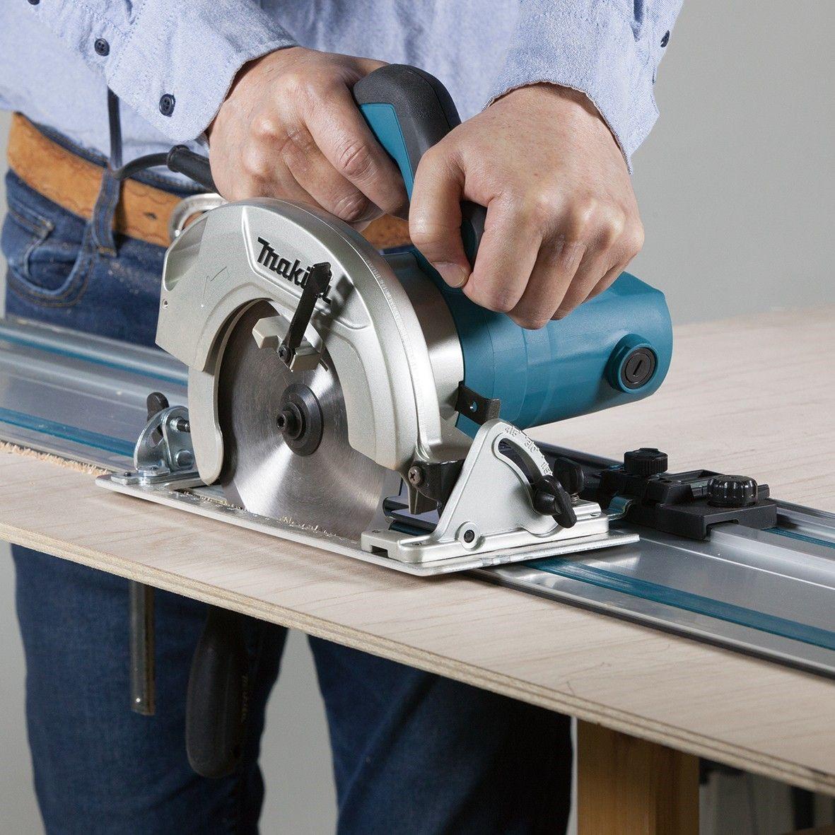 Инструмент профессионального класса от именитых производителей оснащается широким выбором дополнительного оборудования, намного расширяющим его функциональные возможности