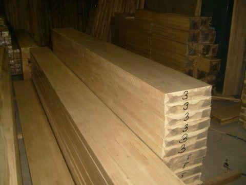 Далеко не всегда есть возможность приобретения товарной древесины такого качества и в таком виде