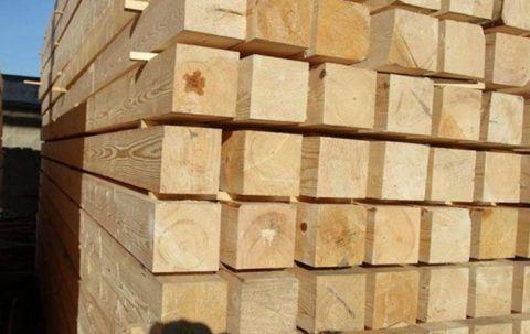 Деревянные уличные лестницы лучше всего собирать из лиственницы