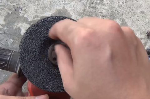 Крепление шлифовочного диска