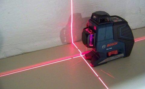 Лазерный уровень позволяет строить плоскости там, где вам необходимо, и постоянно контролировать рабочий процесс