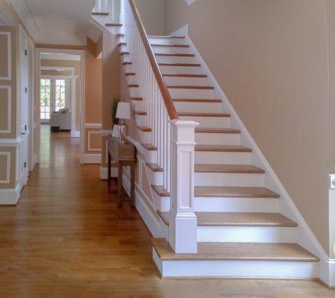 Лестница деревянная межэтажная — классическое решение