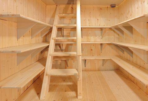 Лестница для погреба из дерева