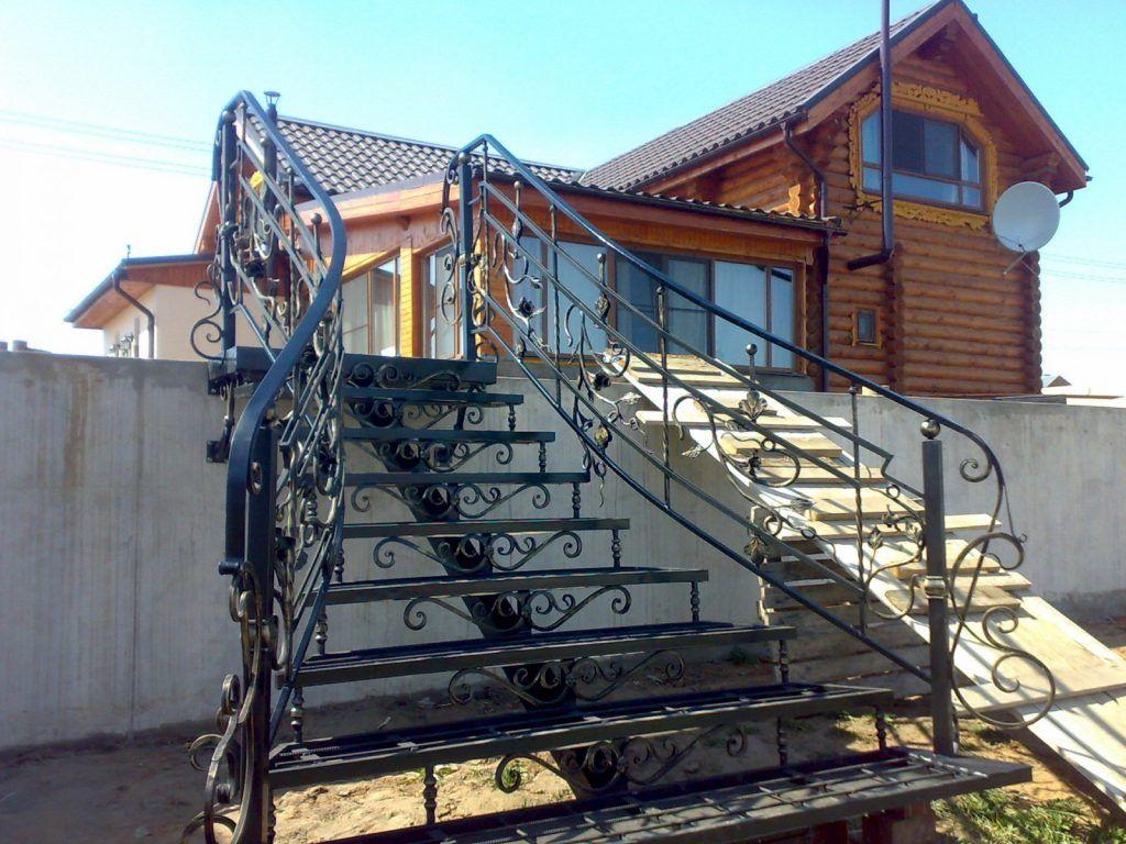 лестницы металлические кованые дома фото организм