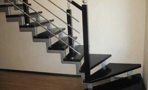 Лестницы на железном каркасе прочны и очень надежны