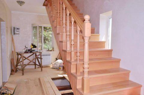 Маршевая лестница состоит из ровных одинаковых ступеней