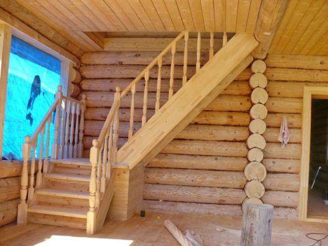 При соблюдении ряда условий, изготовление лестницы возможно даже из бюджетных сортов рядовой древесины