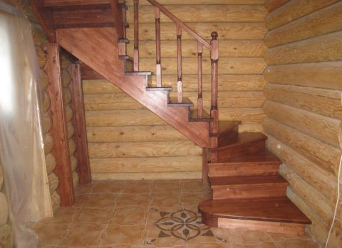 Разворотные конструкции вполне могут обеспечить безопасное использование лестницы, даже людьми с временно ограниченными возможностями