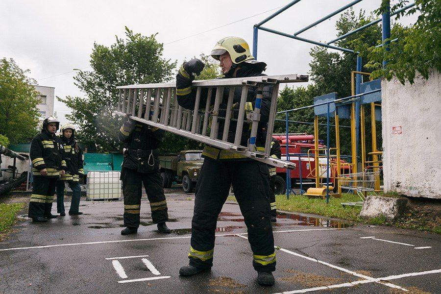 Пожарная ручная лестница