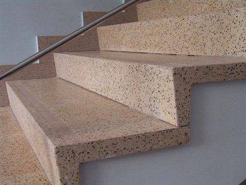 Готовые ступени из керамогранита – отличный способ отреставрировать бетонную лестницу