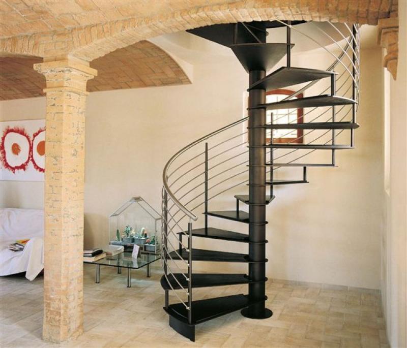 Как самому построить лестницу на второй этаж своими руками 788