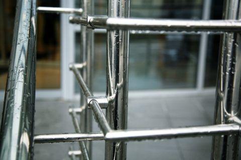 Изделия из нержавеющей стали не боятся влаги