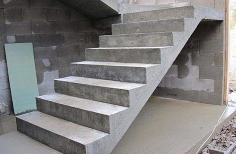Конструкции не отличаются красотой, зато они очень прочны и долговечны