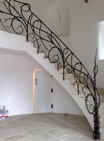Кованые ажурные перила для лестниц