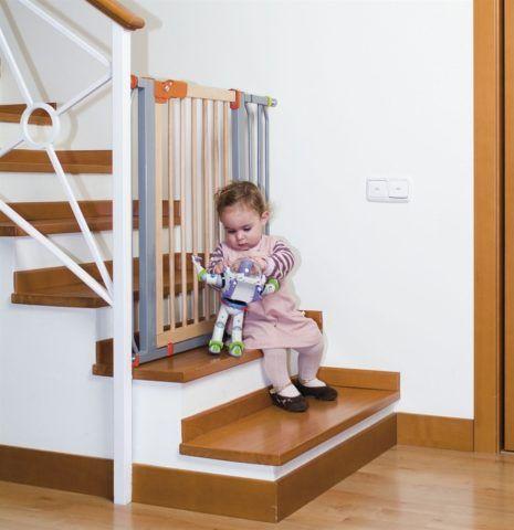 Лестница должна быть безопасной, в первую очередь для детей