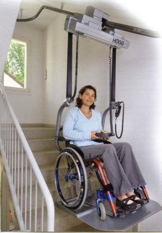 Лестница с подъемником для инвалидов
