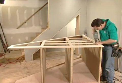 Лестница с ящиками в ступеньках: дальнейшая сборка