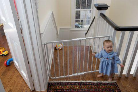 Лестницы с системой безопасности для маленьких детей
