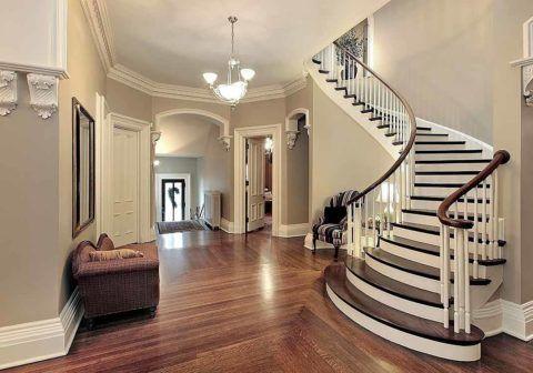 Лестницы внутридомовые могут иметь плавные очертания