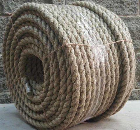 Пеньковая веревка была самым распространенным материалом для изготовления пожарных лестниц той поры
