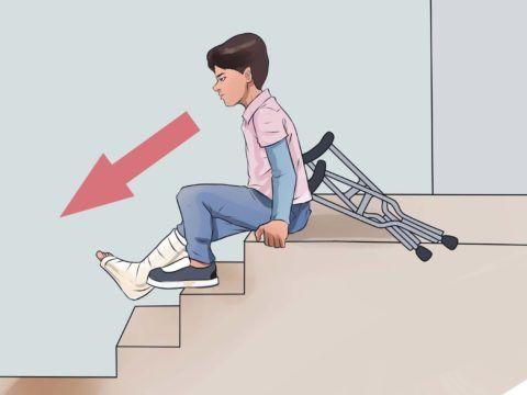 При падении на деревянной лестнице меньше вероятность получить серьезную травму