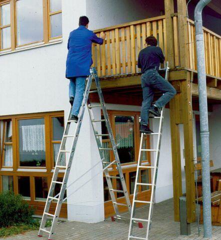При работе вдвоем у каждого работника должна быть индивидуальная лестница