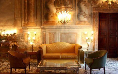 Приглушенный рассеянный свет и мягкие пастельные тона создают в британском жилище непередаваемую атмосферу комфорта и уюта