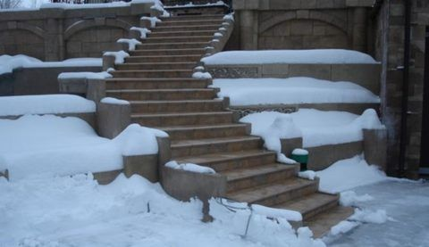 Травмоопасная лестница