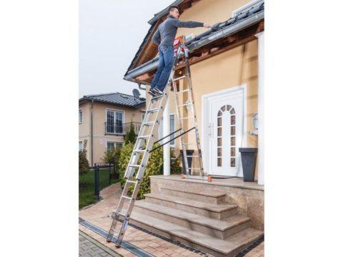 Трехсекционная раздвижная лестница, используемая в качестве стремянки