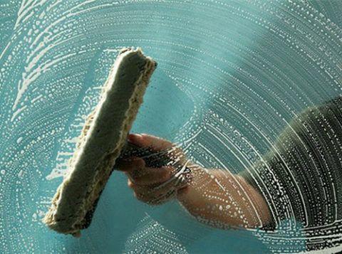Уход за перилами из стекла