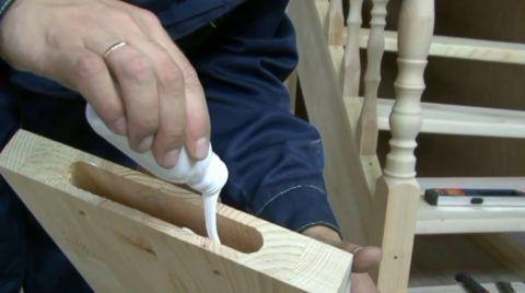 Как делать деревянные лестницы в доме: сборка тетив